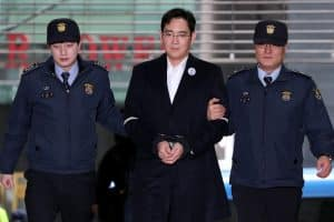 Moștenitorul Samsung, mandat de arestare pe numele lui