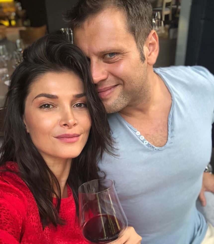 Alina Pușcaș și soțul ei, poveste de dragoste desprinsă din basme