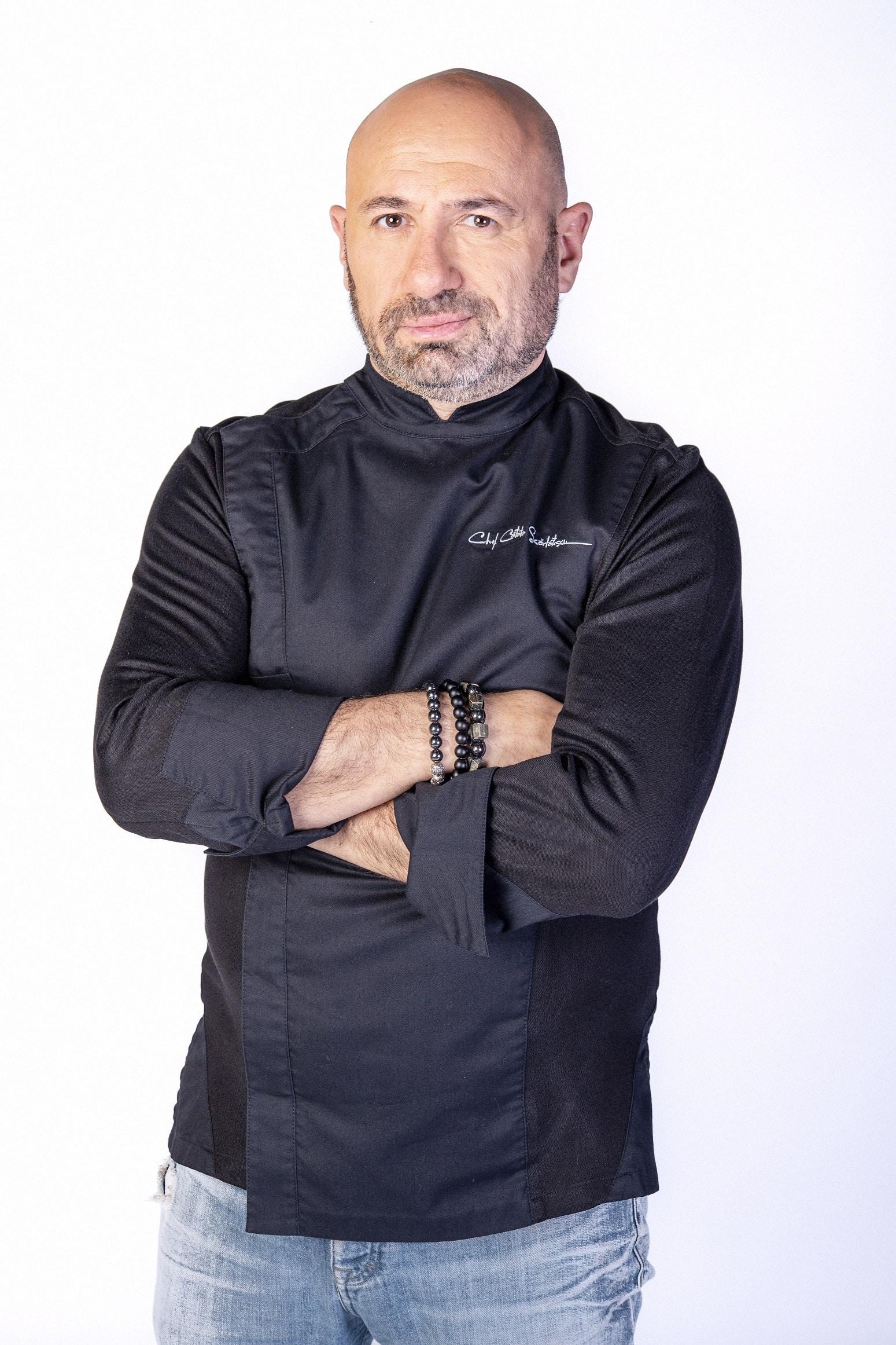 Cătălin Scărlătescu și începutul său. Cheful de astăzi curăța cartofi cu tonele