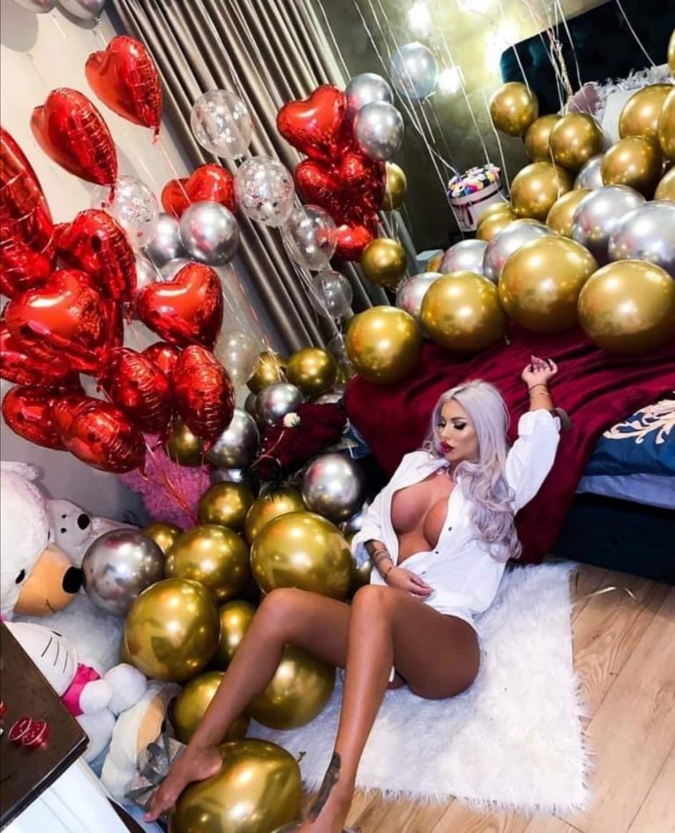Loredana Chivu, cea mai obraznică vedetă! Imagini de infarct cu blondina fără haine / FOTO