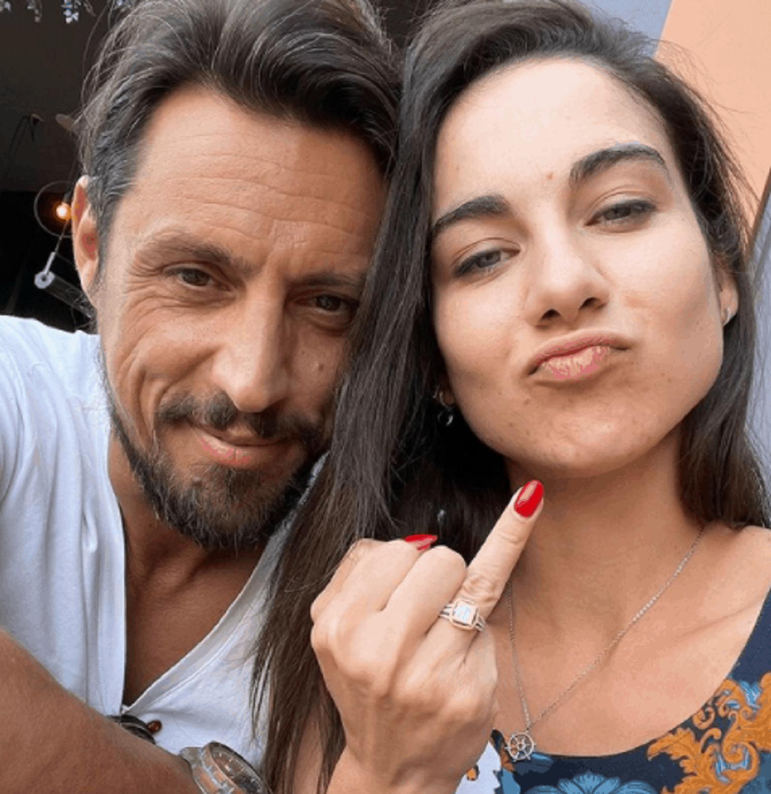 """Daniel Pavel, prezentatorul Survivor România, și-a cerut iubita în căsătorie: """"A decis să-mi poarte inelul"""""""