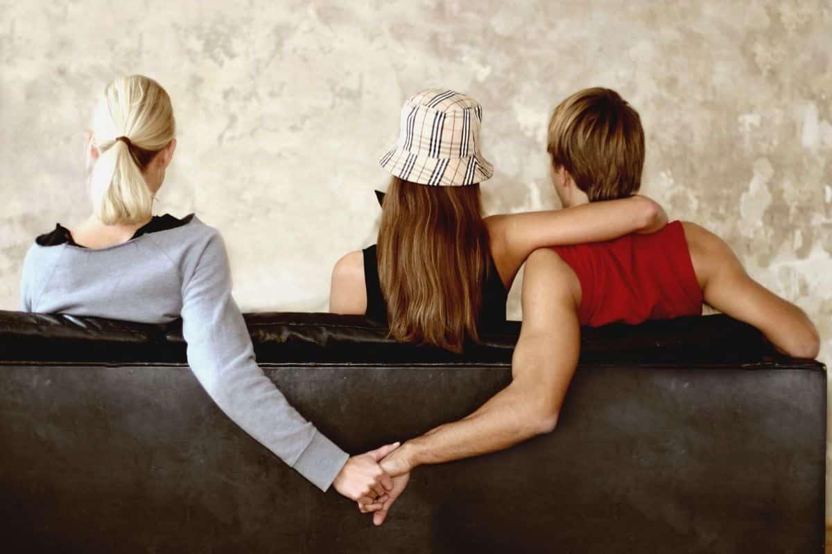 Zodiile feminine și infidelitatea. Care sunt zodiile de femei care își înșală orice partener