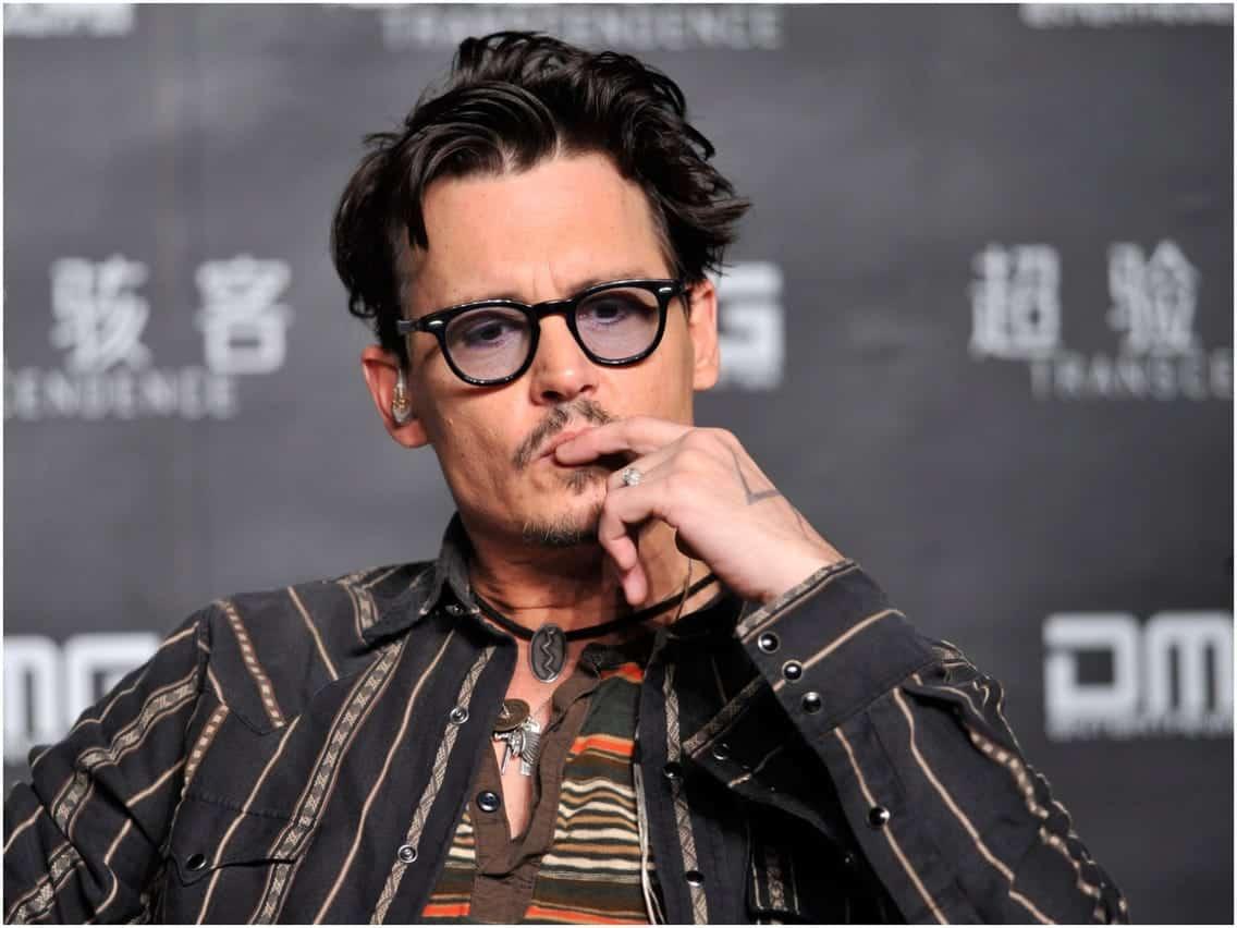 Johnny Depp se iubește cu o tânără de 30 de ani! Iată cine este norocoasa