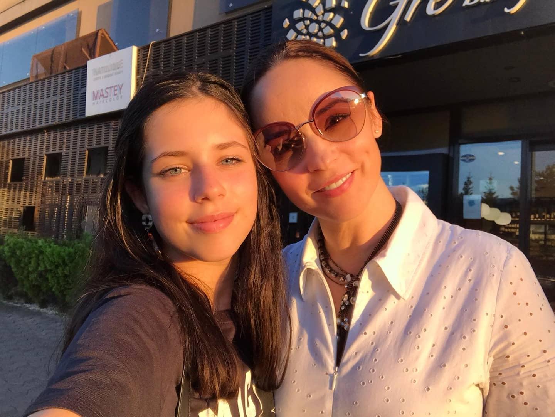 """Andreea Marin vorbește plângând despre fiica sa. Ce discuție au avut cele două. """"Mă va certa..."""""""