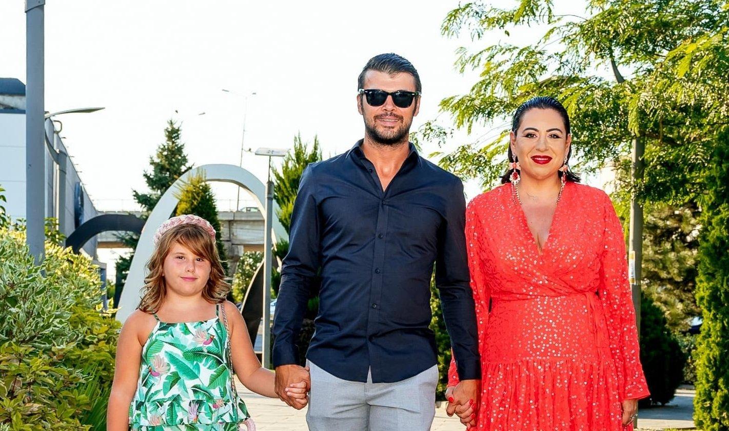 """Oana Roman s-a deschis în fața fanilor săi! Vedeta a suferit enorm în urma plecării tatălui său după Revoluție: """"Eu nu mai aveam familie"""""""